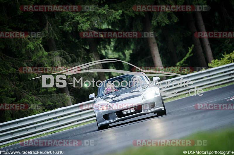 http://www.racetracker.de/piccontroller/picturePage/616316-72503f44c8ec90b8d3323076c5a0388e